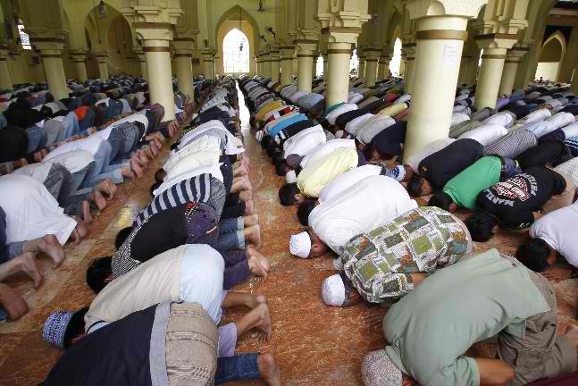 facebook in muslim communities essay