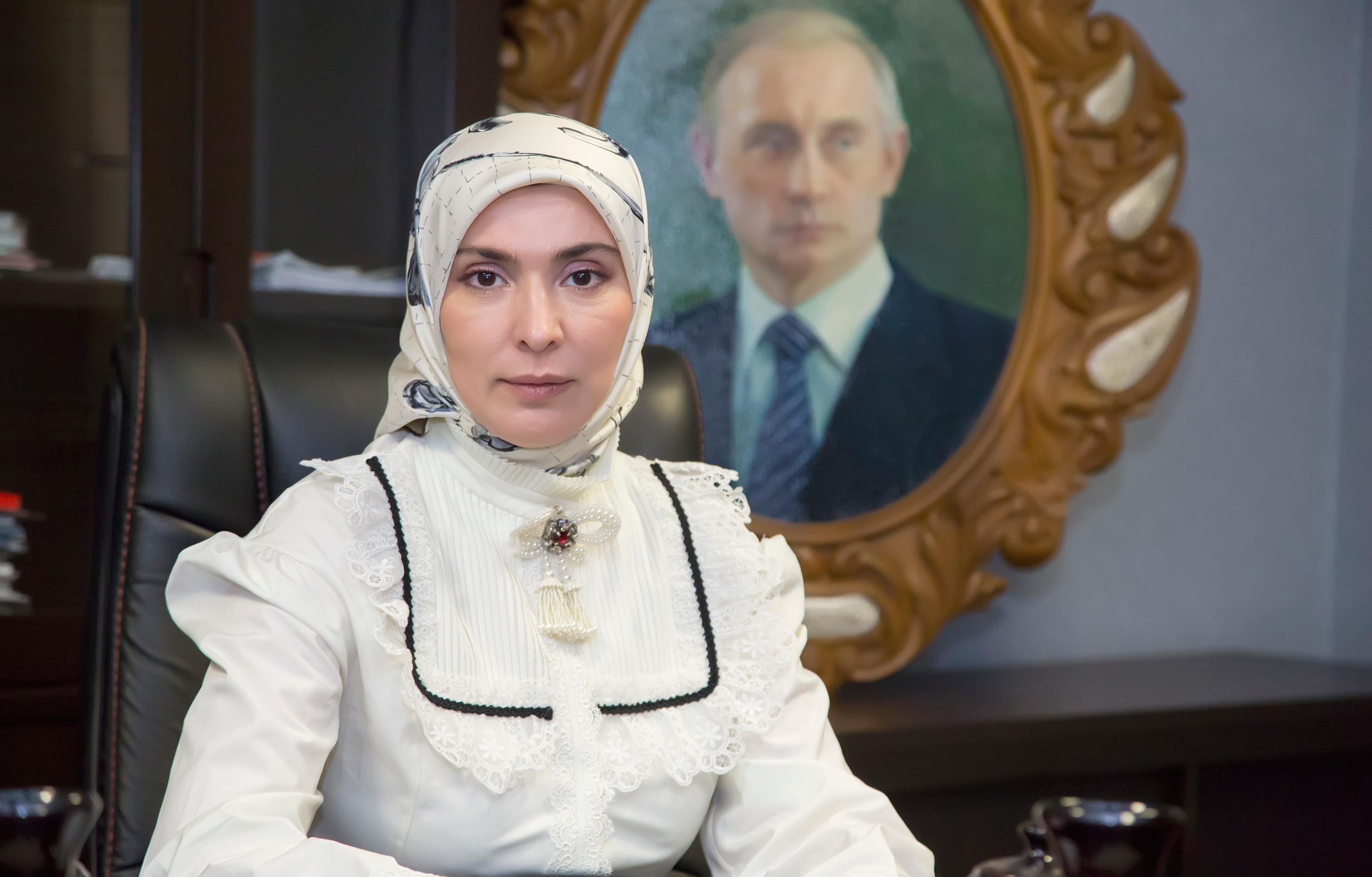 Айна Гамзатова