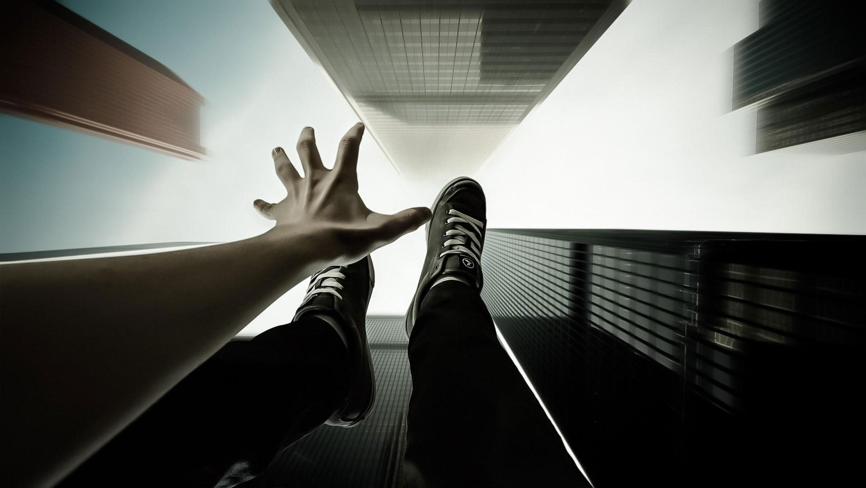 За последнее десятилетие число самоубийств среди молодежи выросло в три раза