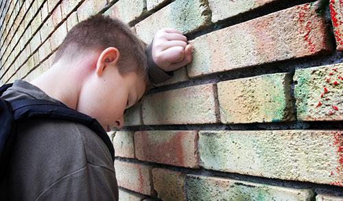 В Мончегорске трудный подросток сбежал от воспитателя спецучилища